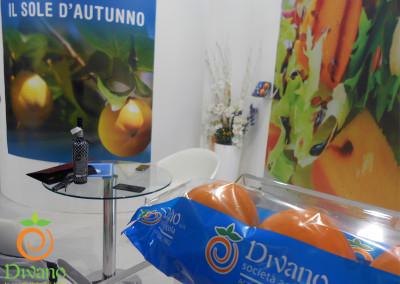 Packaging-kaki-allo-stand-Divano-al-Macfrut
